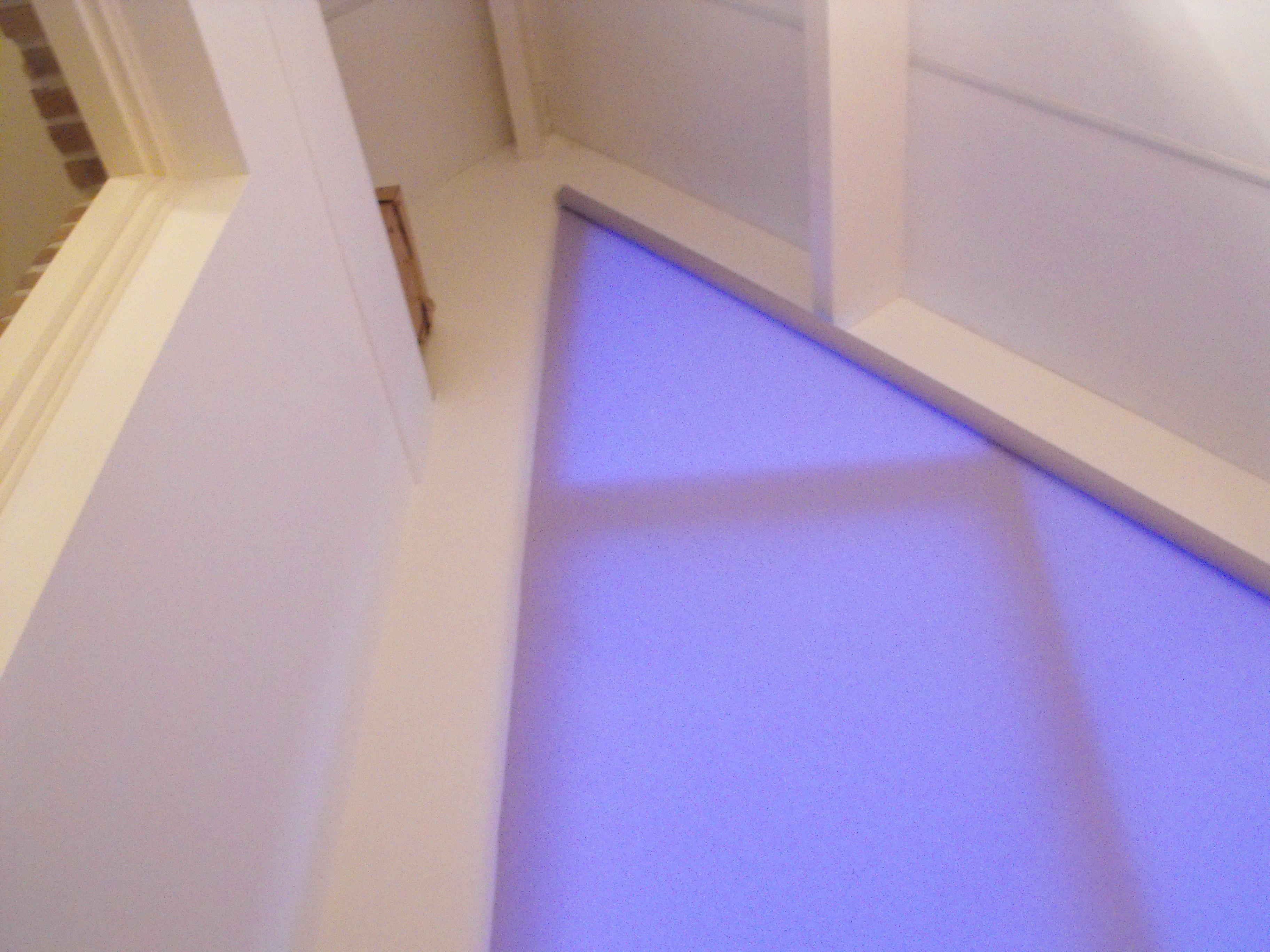 Binnenzonwering vloerengalerie for Houten decoratie voor raam