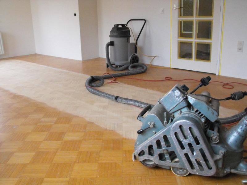 Olie van vloer verwijderen