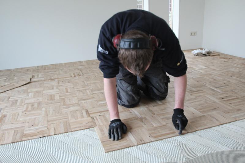 Houten Vloer Woonkamer : Visgraatvloer als eyecatcher design vloeren nijkerk the art of